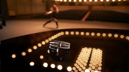 Phụ kiện trang sức Cartier Juste Un Clou: Sự mãnh liệt từ tính tối giản