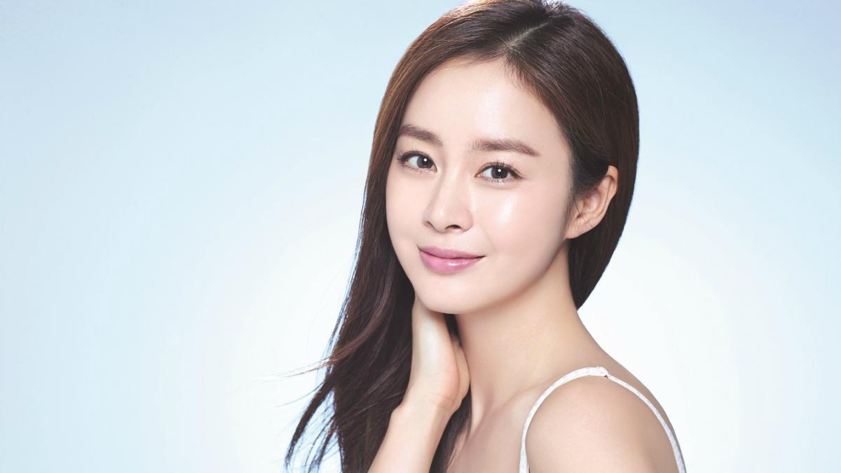 6 bí mật chăm sóc da mặt đằng sau vẻ đẹp tựa nữ thần của cô nàng Hàn Quốc | ELLE Việt Nam