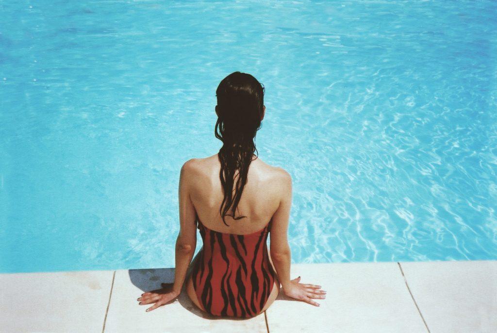 cách chăm sóc tóc khi đi bơi