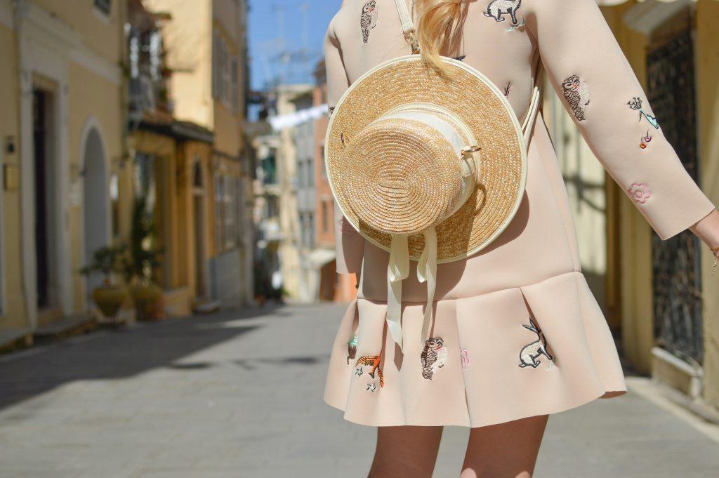 cách chăm sóc tóc tránh ánh nắng mặt trời