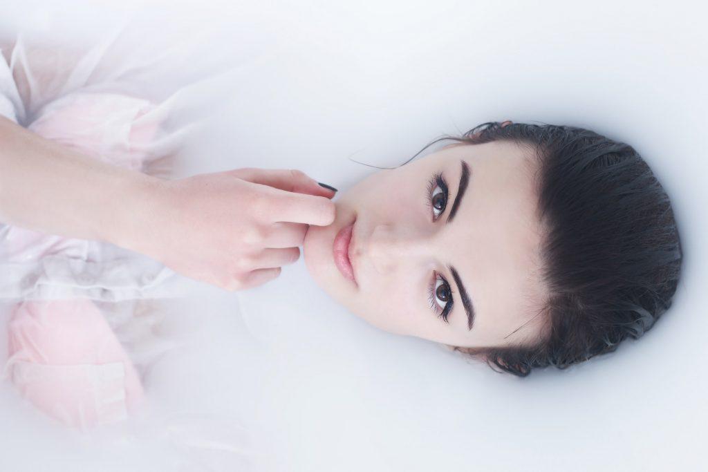cách trị thâm mụn chemical peel