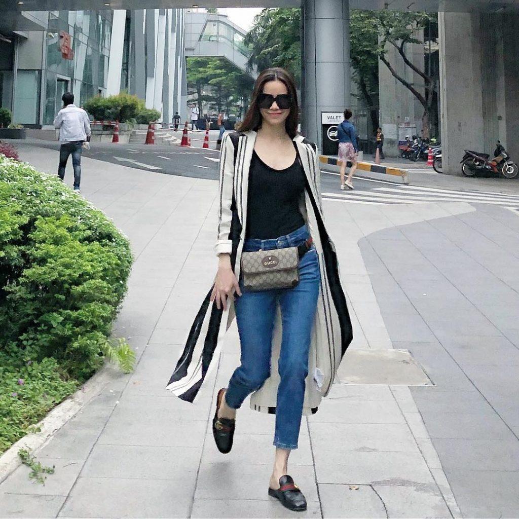 Xu hướng thời trang quần jeans được nhiều sao Việt ưa chuộng