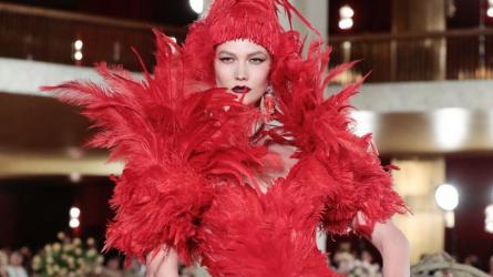 Dolce & Gabbana tái hiện New York hoa lệ trong BST Alta Moda 2018