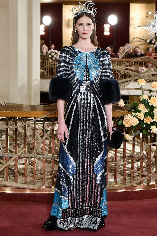 Là đêm kết thúc của hành trình thời trang Alta Moda tại New York, buổi diễn  bộ sưu tập thời trang nữ Xuân 2018 tại nhà hát The Metropolitan đã tỏa mãn  ... 7ca4667a50