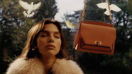 """""""Hơi thở"""" thập niên 80 mang lại nguồn cảm hứng cho chiến dịch quảng cáo Xuân-Hè 2018 từ thương hiệu Bally"""