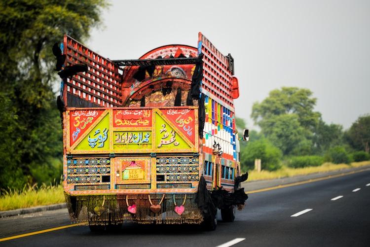 xe tải leng keng ở Pakistan 11