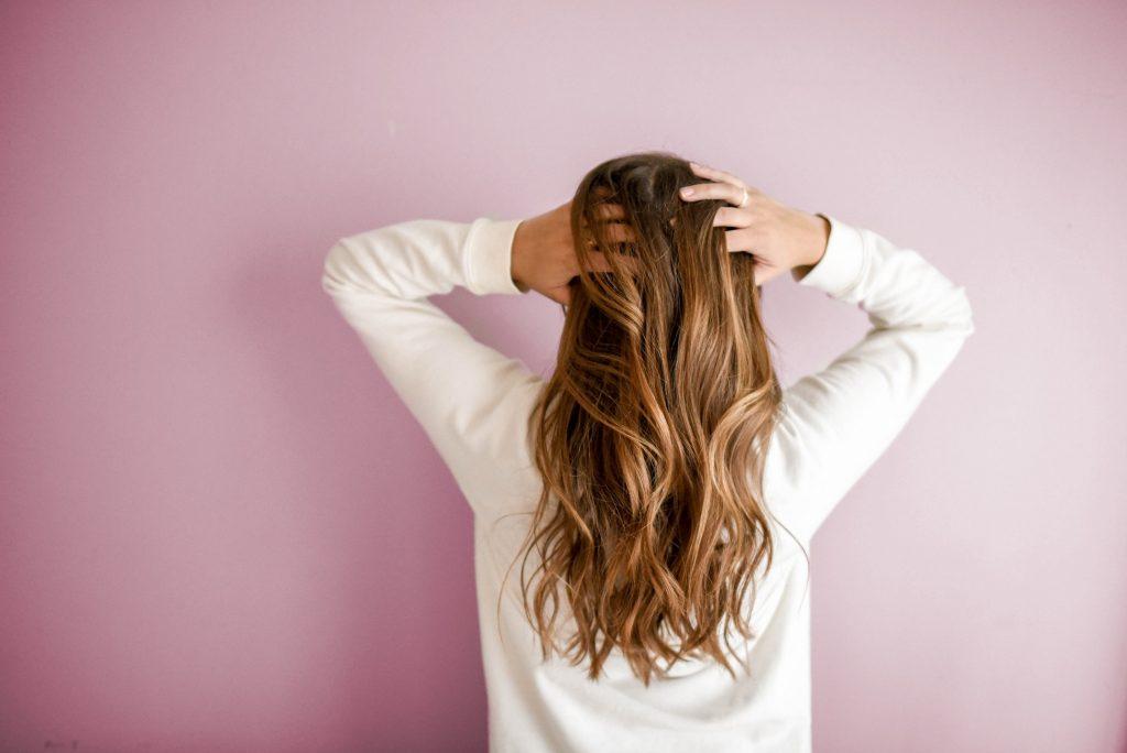 nguyên nhân gây rụng tóc 1