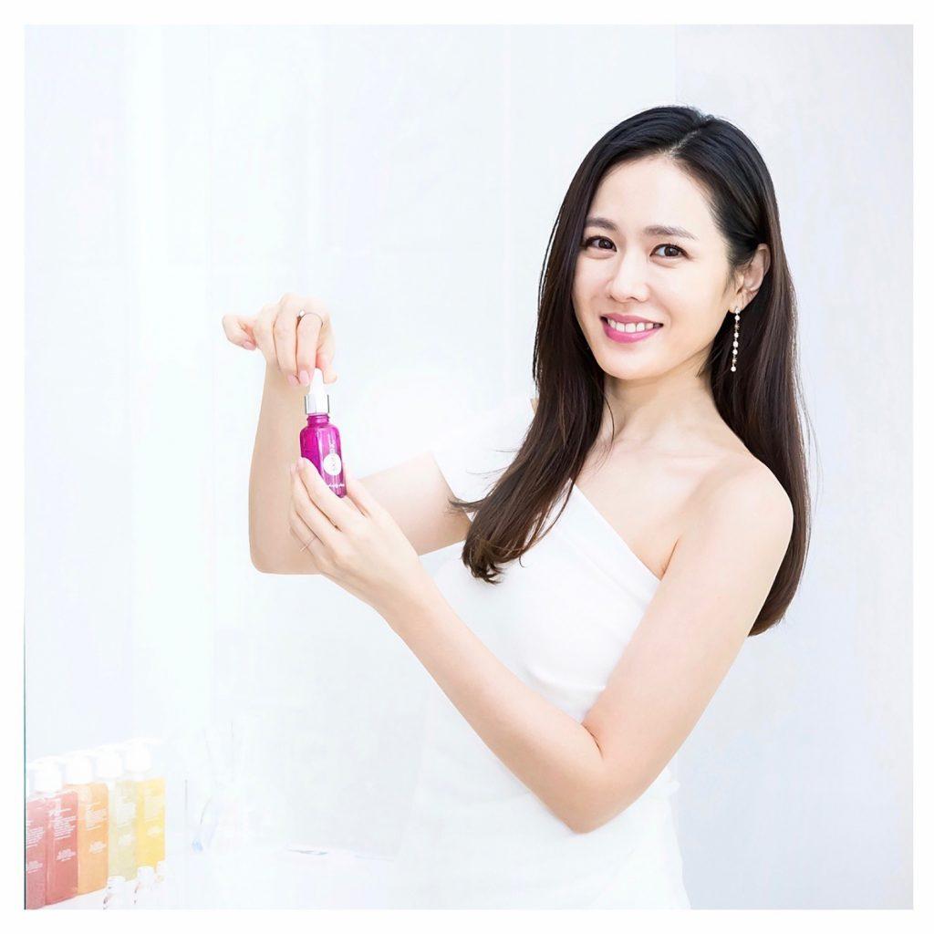 Son Ye Jin Bí mật trẻ hóa làn da 6