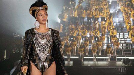 Cận cảnh những thiết kế giúp Beyoncé đẹp hút hồn tại lễ hội âm nhạc Coachella 2018