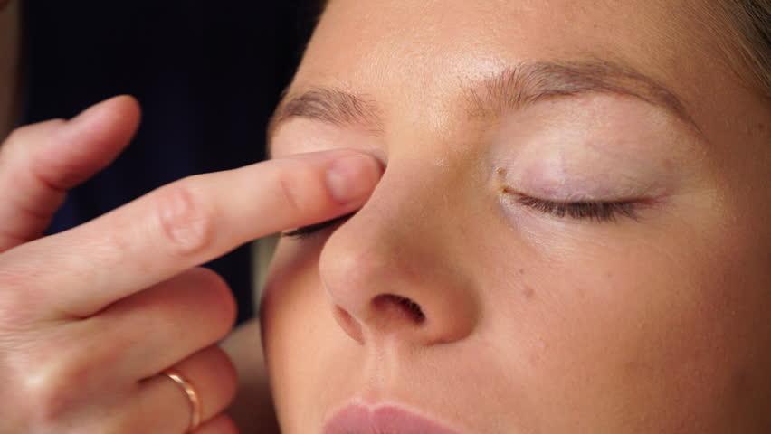 công dụng của kem lót mắt