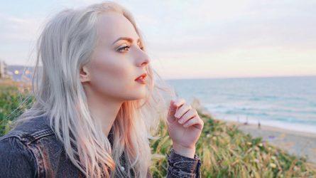 Dầu dưỡng tóc: Tuyệt chiêu chăm sóc suối mây