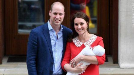 Ý nghĩa thiêng liêng của những chiếc váy công nương Kate mặc sau khi sinh con