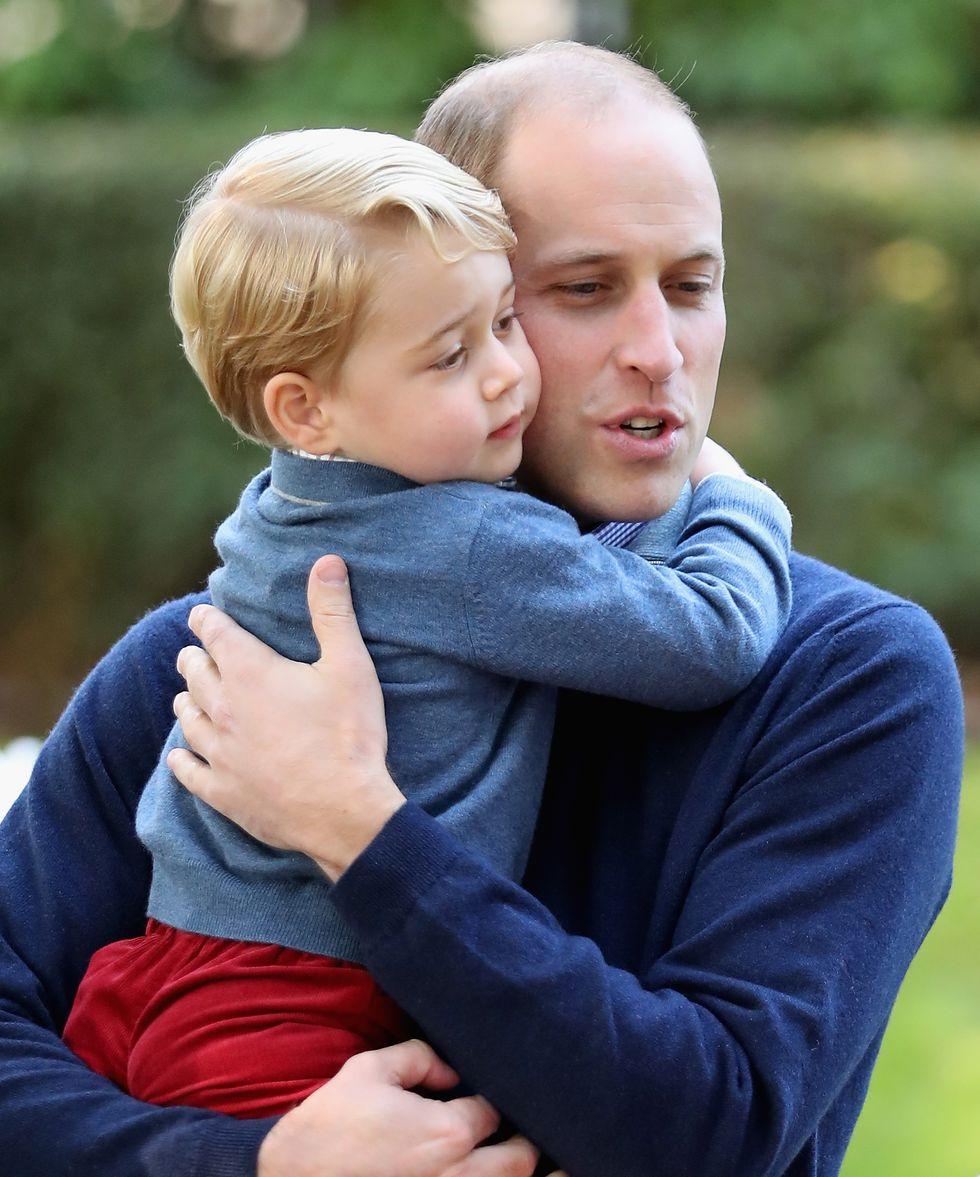 Em bé Hoàng gia Anh 13