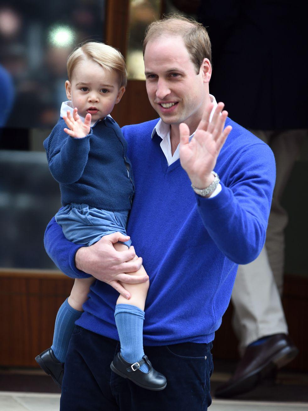 Em bé Hoàng gia Anh 14