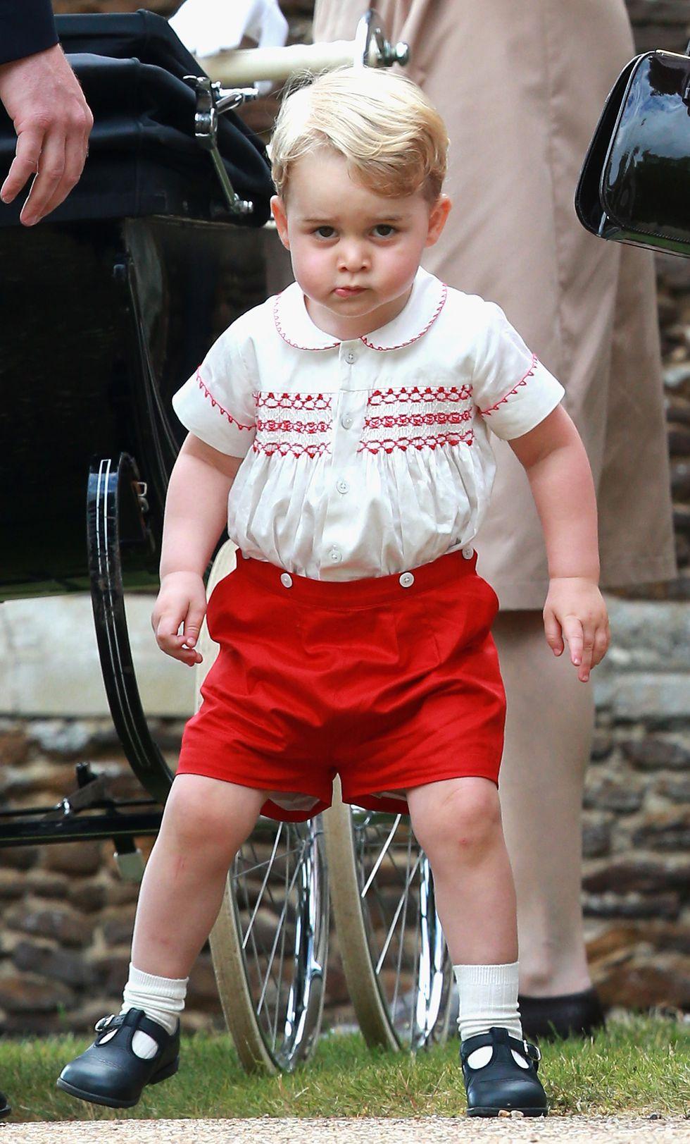 Em bé Hoàng gia Anh 19