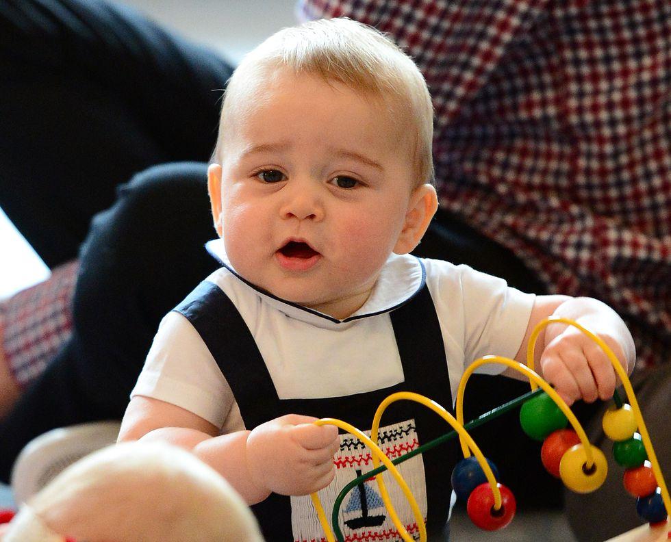 Em bé Hoàng gia Anh 23