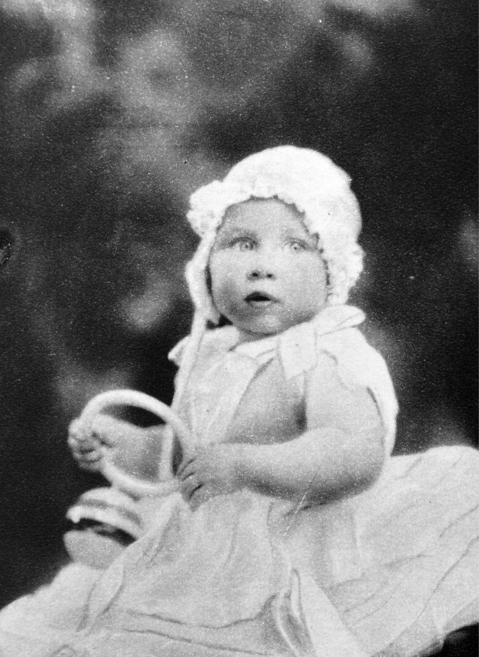 Em bé Hoàng gia Anh 35