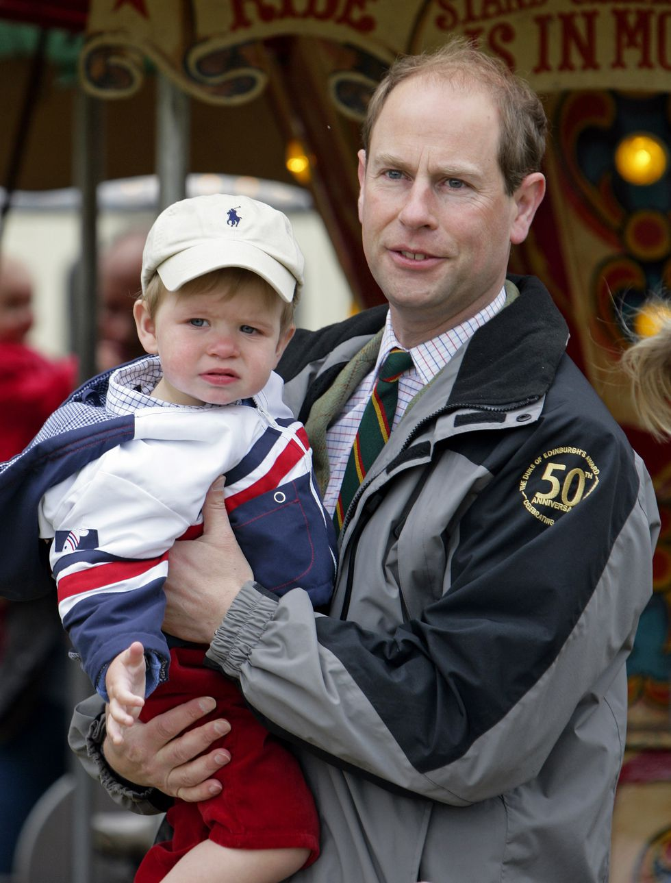 Em bé Hoàng gia Anh 38