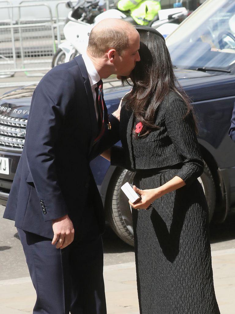 Meghan Markle gặp gỡ Hoàng tử William 3