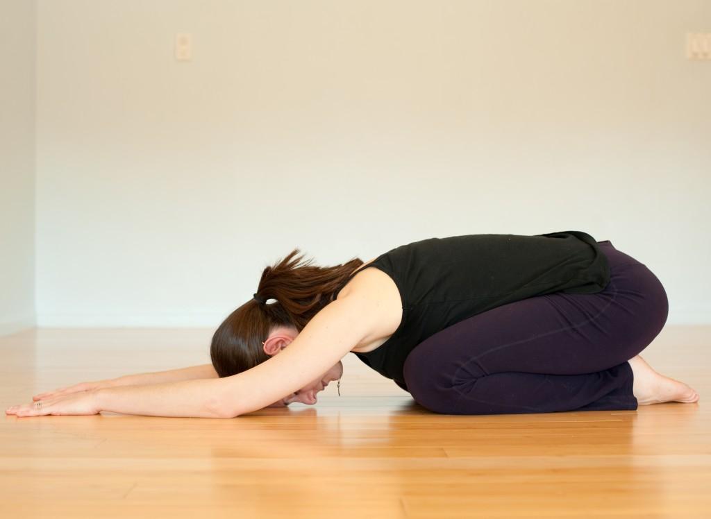bài tập yoga tri đau lưng ft
