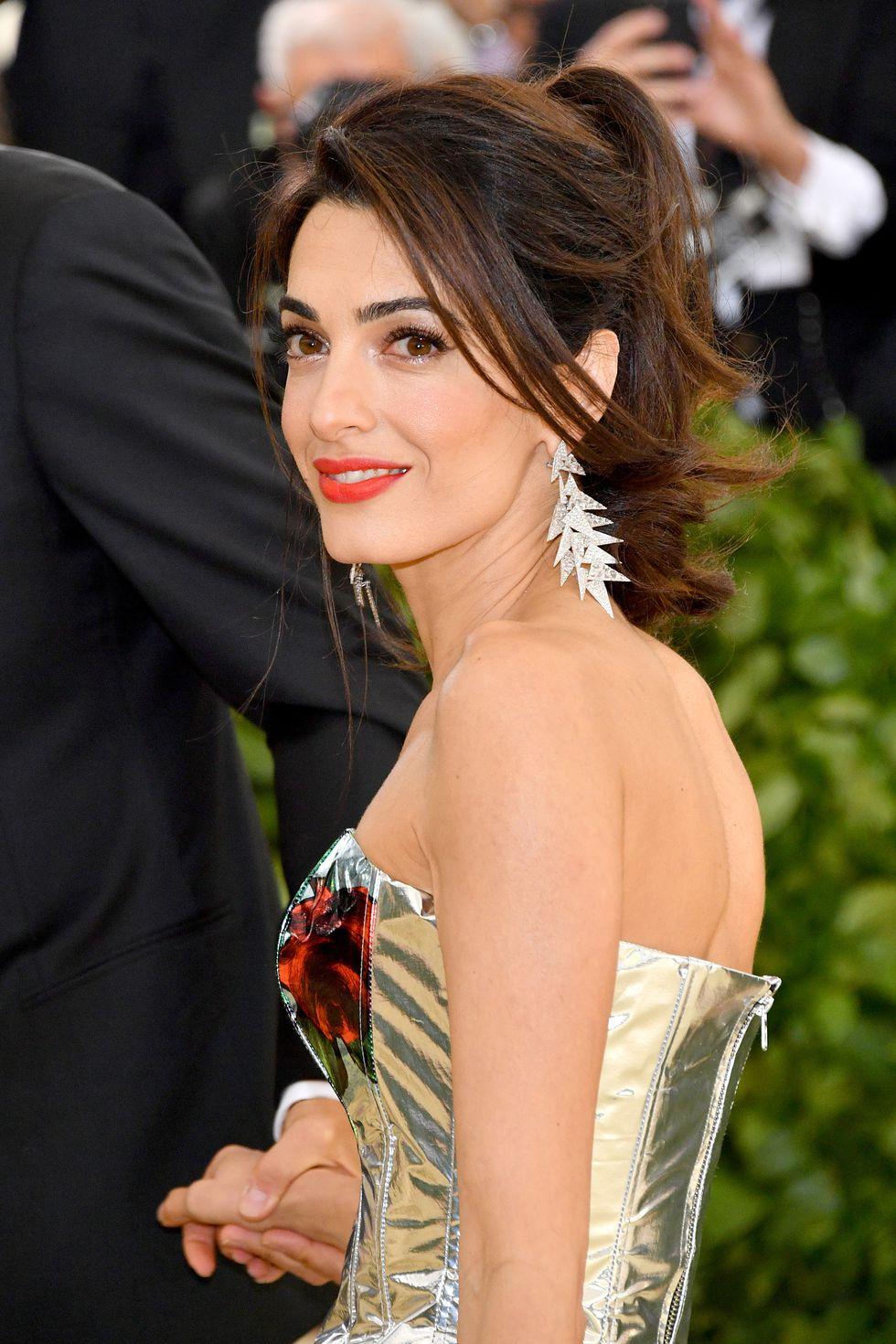 phong cách trang điểm Amal