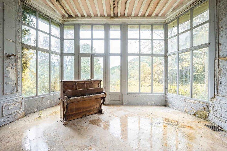 Ảnh đàn piano cũ 1