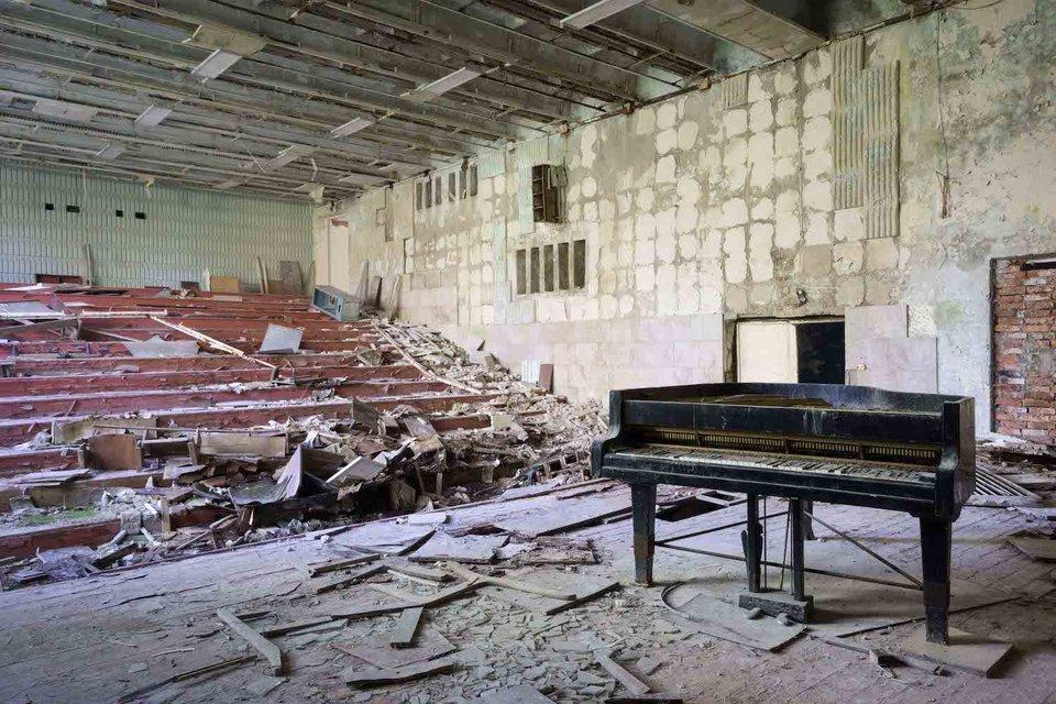Ảnh đàn piano cũ 13