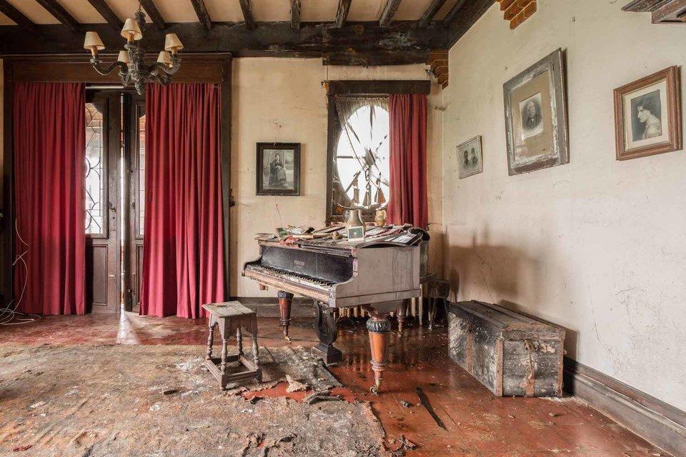 Ảnh đàn piano cũ 14