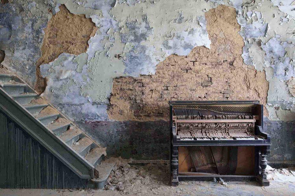 Ảnh đàn piano cũ 15