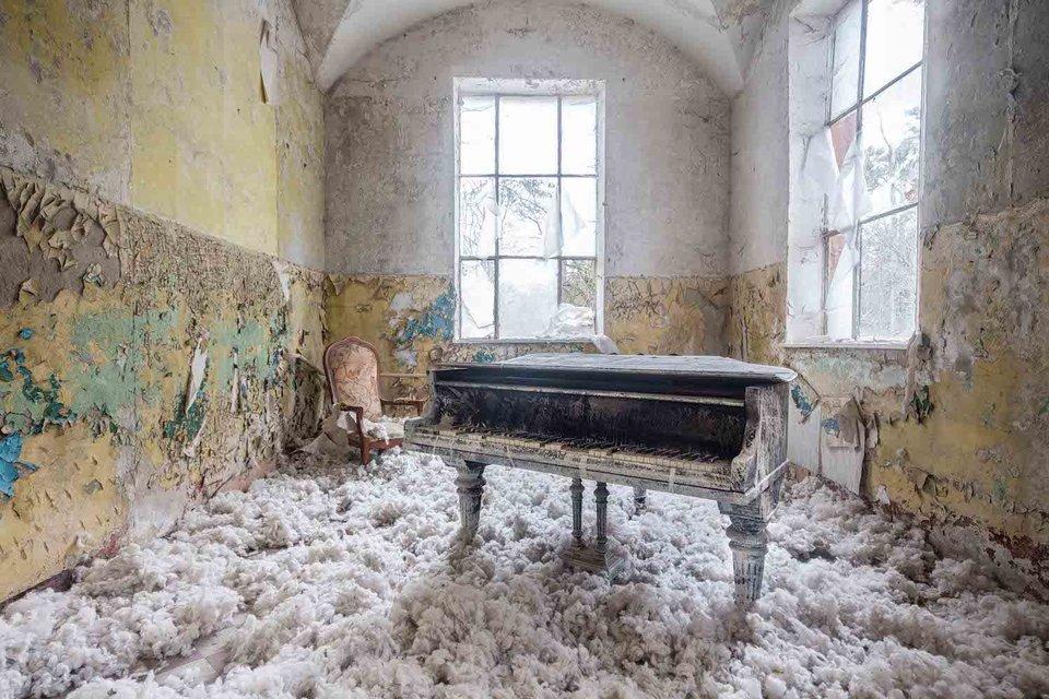Ảnh đàn piano cũ 2