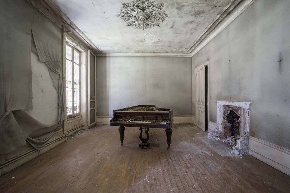 Ảnh đàn piano cũ 5