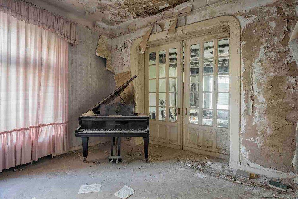 Ảnh đàn piano cũ 7
