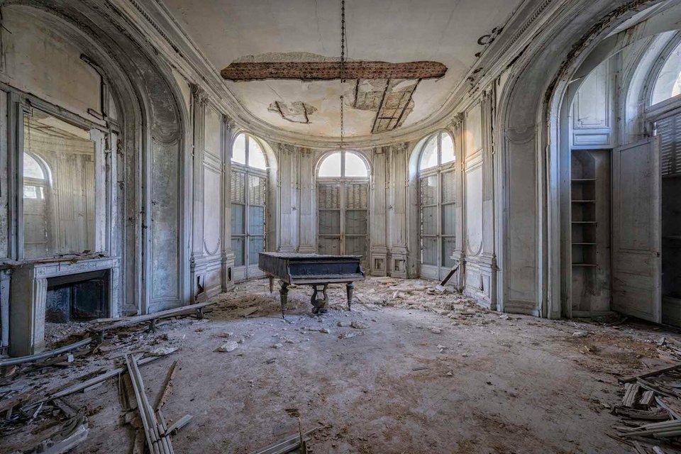 Ảnh đàn piano cũ 9