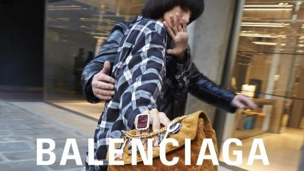 Balenciaga bị cáo buộc phân biệt chủng tộc với khách hàng Trung Quốc