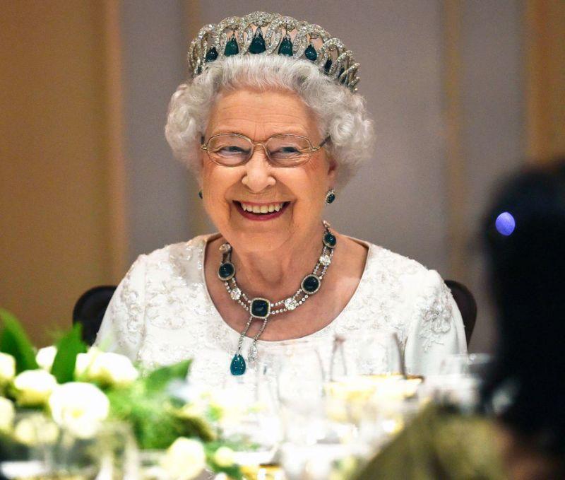 Nữ hoàng Elizabeth 11