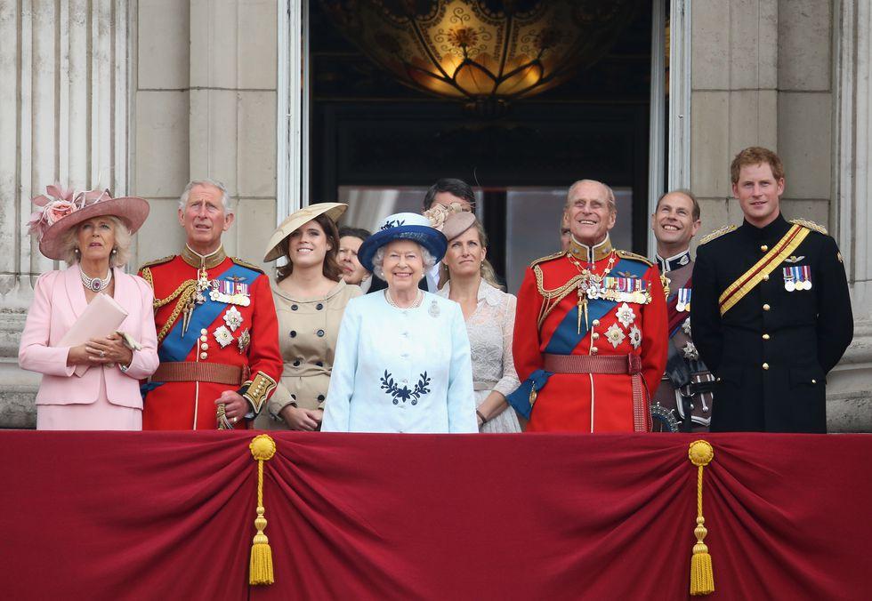 Nữ hoàng Elizabeth 12