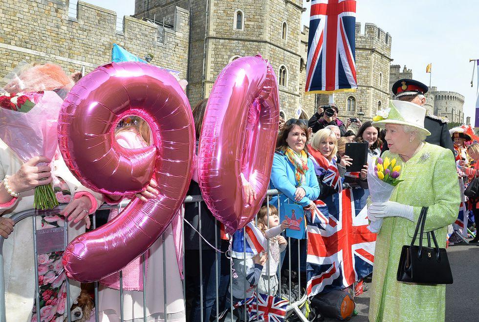 Nữ hoàng Elizabeth 13