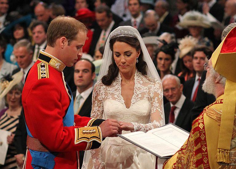 Truyền thống Hoàng gia Anh 14