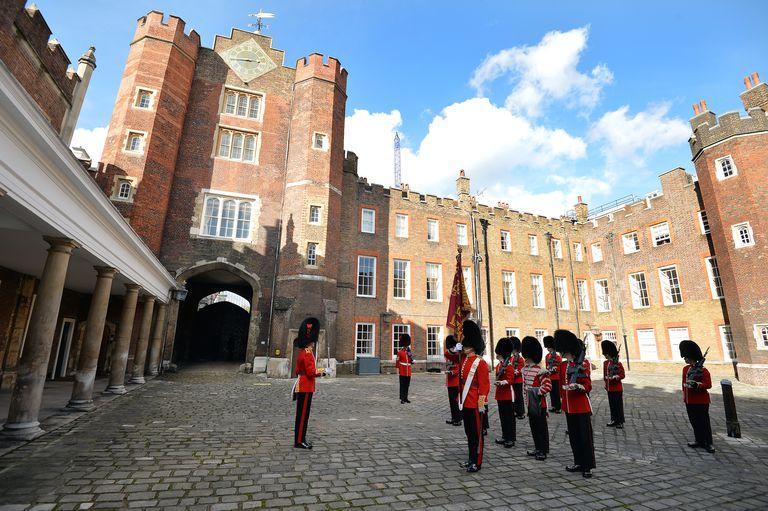 Truyền thống Hoàng gia Anh 8