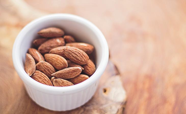thực phẩm tốt cho tim mạch hạnh nhân