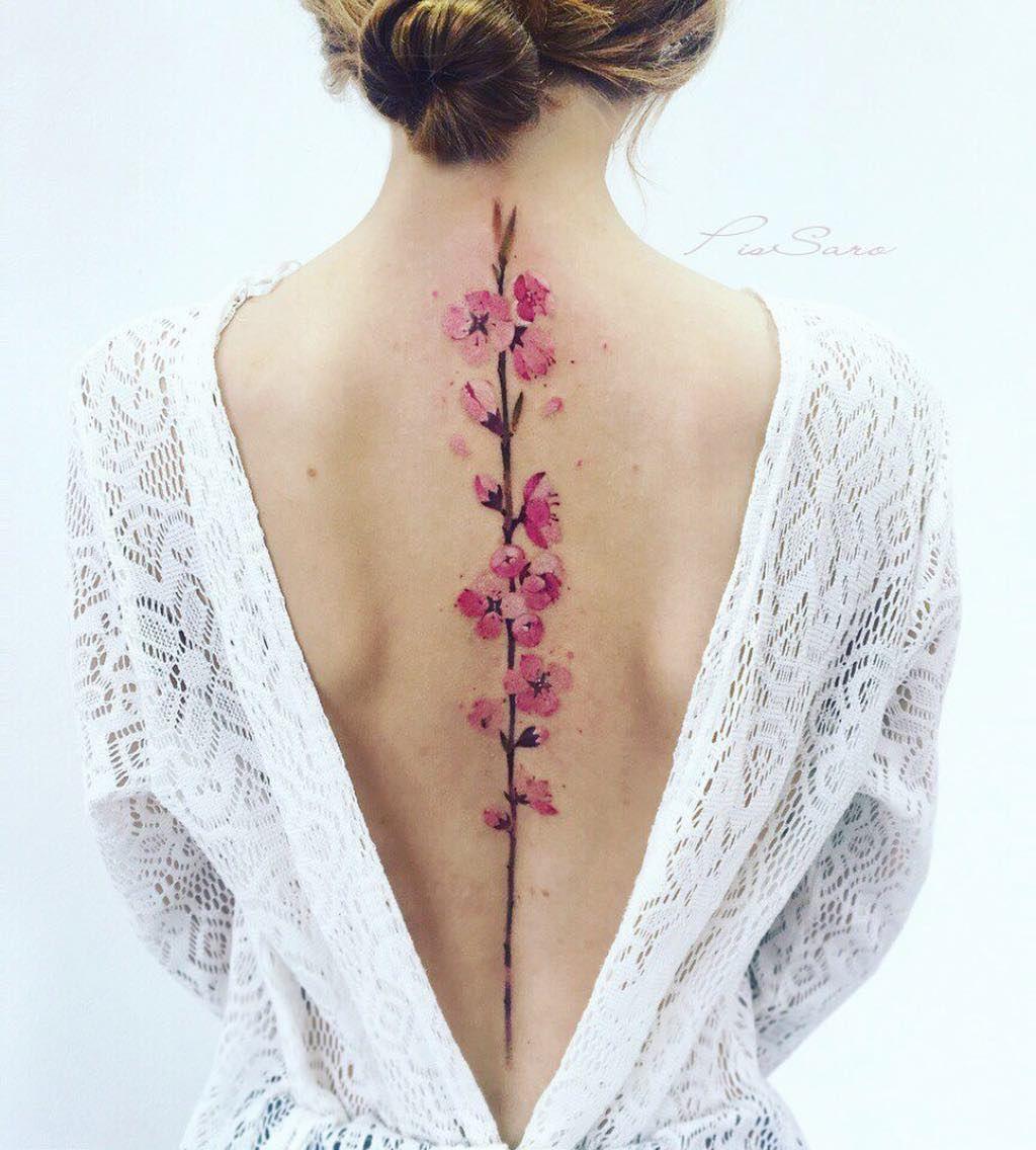 hình xăm hoa hồng lưng