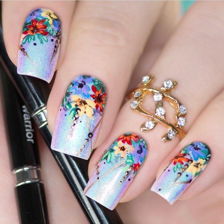 sơn móng tay hoa
