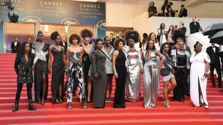 Thảm đỏ Cannes: 16 diễn viên da màu mặc trang phục Balmain lên án nạn phân biệt chủng tộc