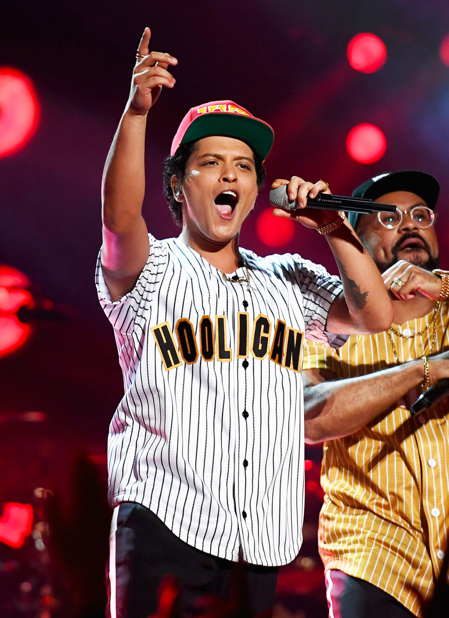 Billboard Music Awards 8