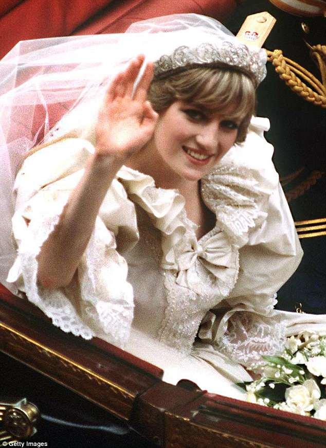 phong cách trang điểm Diana 1