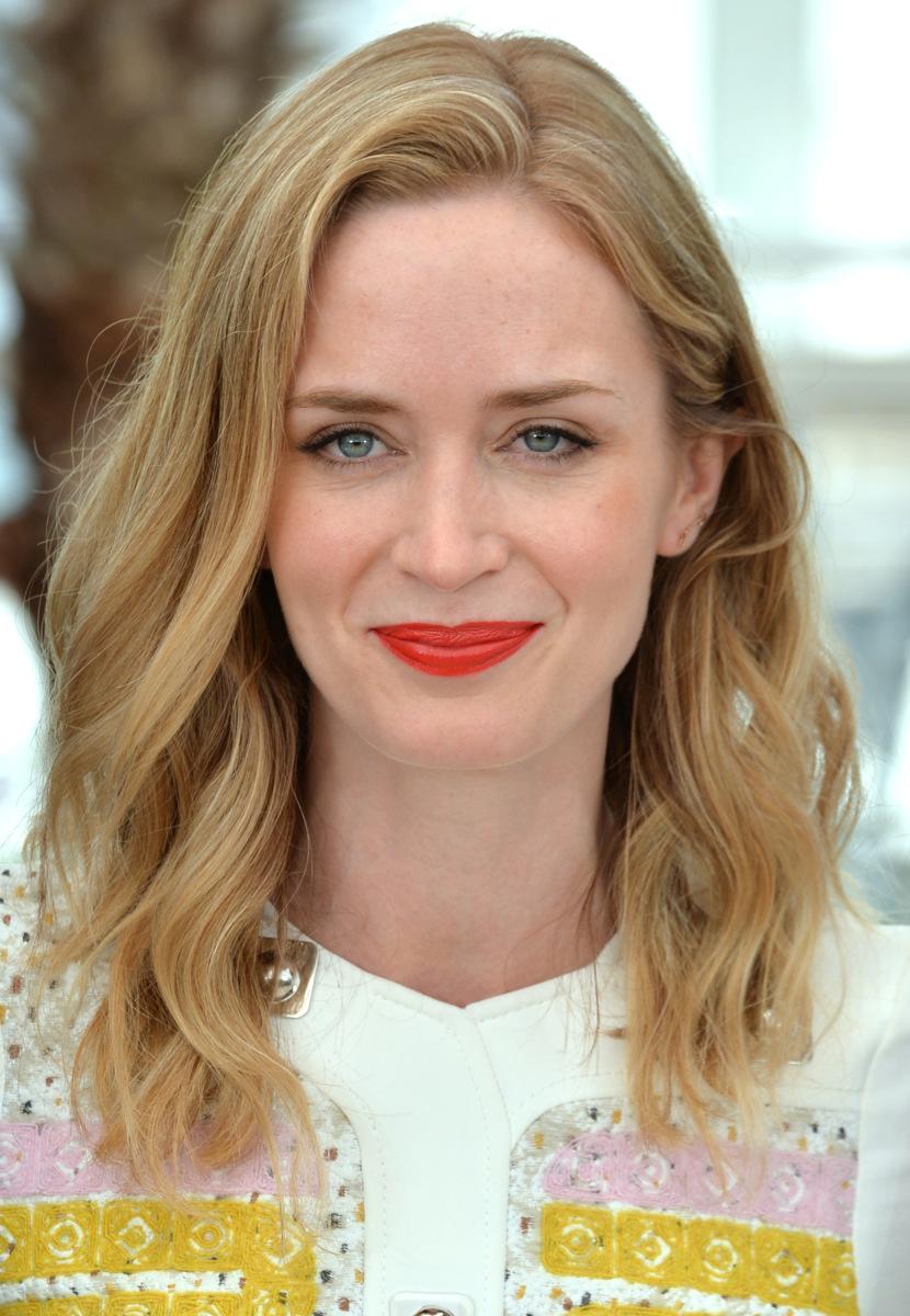 tóc xoăn tự nhiên Emily Blunt