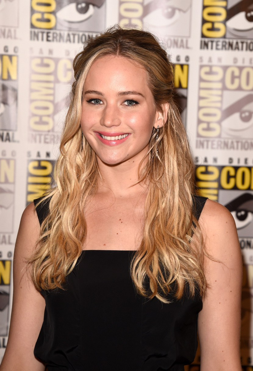 tóc xoăn tự nhiên Jennifer Lawrence
