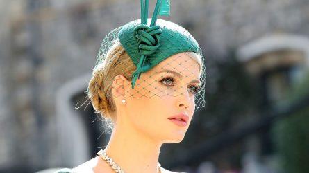 Tiêu điểm khách mời: Lady Kitty Spencer và cách trang điểm triệu người mê