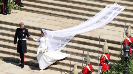 Váy cưới của Meghan Markle học hỏi từ con dâu tổng thống Kennedy?