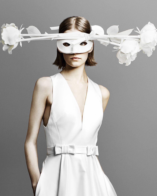trang điểm cô dâu viktor rolf 2